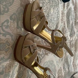 Ysl tribute sandal( never worn)
